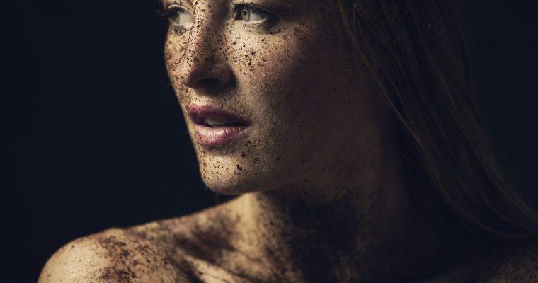 <h1>Cuidado facial para pieles de más de 40 años</h1> <p class='subtitulo'>Incluso el estilo de vida también afecta a tu piel</p>