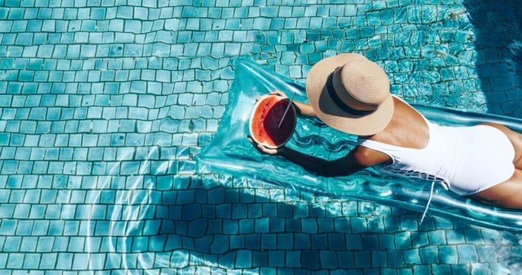 <h1>Cuidado de la piel antes y después de tomar el sol</h1> <p class='subtitulo'>Es muy importante que protejas tu piel antes y después</p>