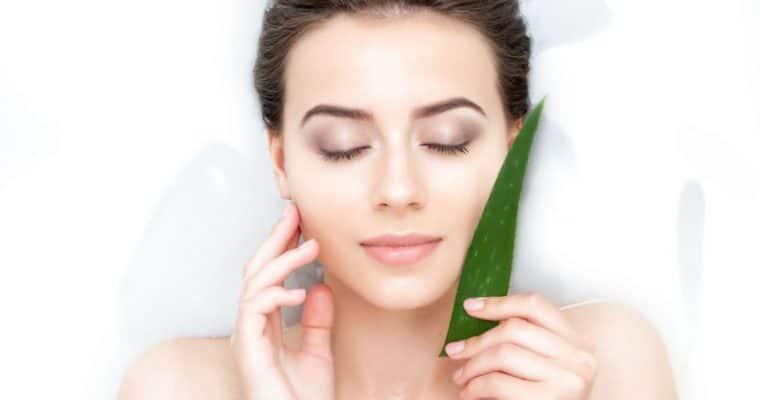 <h1>Propiedades del Aloe Vera</h1> <p class='subtitulo'>Sus múltiples propiedades cosméticas han hecho que se convierta en el ingrediente natural estrella</p>